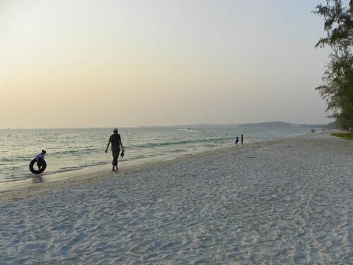 Sorglos-Reisen-sihanoukville-kambodscha-Strand-Fuehrer_ochheuteal-beach