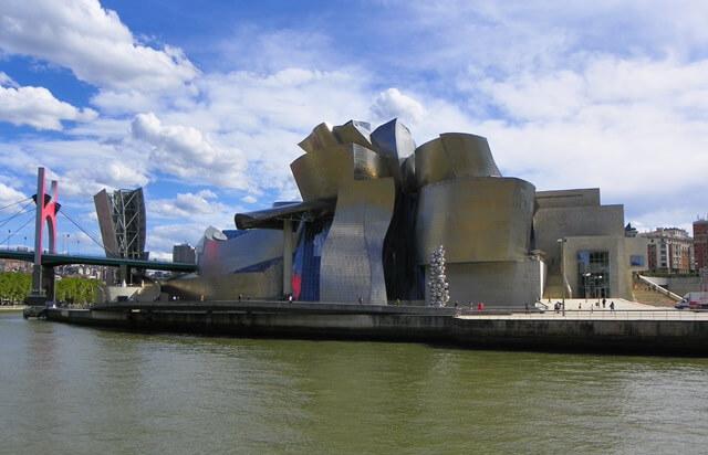 Sorglos Reisen-Was-du-in-Bilbao-Spanien-nicht-verpassen-solltest_guggenheim-museum