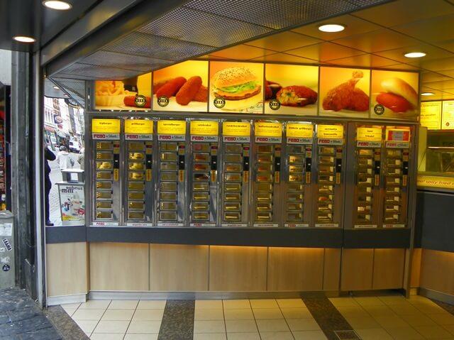 Entdecke-17-Hollaendische-Spezialitaeten-in-Amsterdam_febo-hollaendischer-fast-food