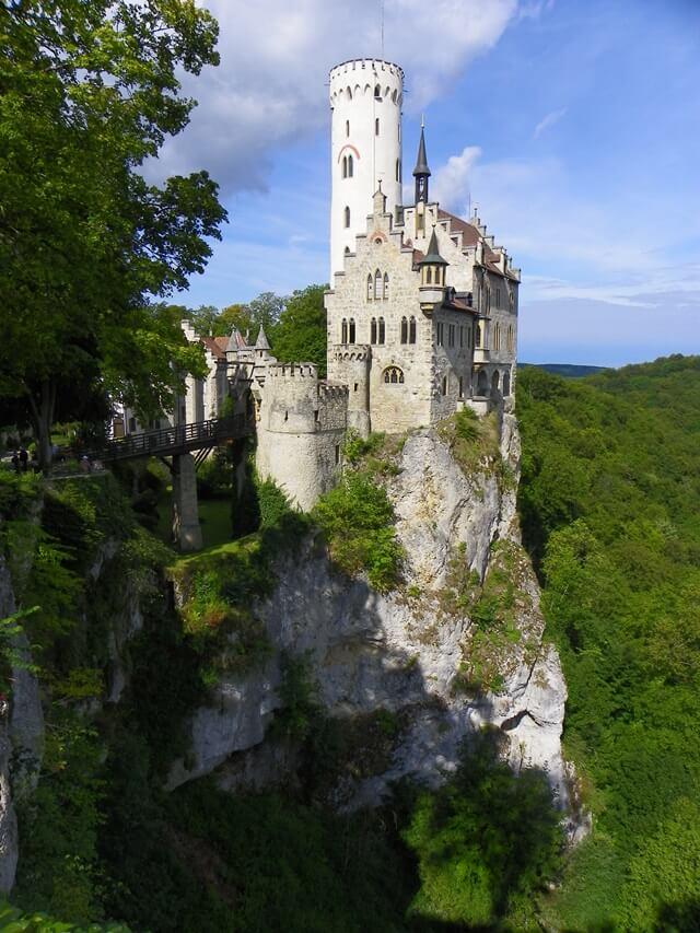 Schloesser-in-Deutschland_schloss-lichtenstein