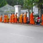 Mönche, Höhlen, Wasserfälle - 5 Luang Prabang Sehenswürdigkeiten