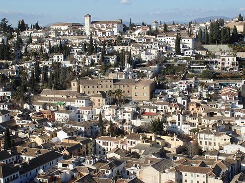 Die Granada Provinz in Spanien darfst du nicht verpassen. Lies hier über die Sehenswürdigkeiten in Granada, z.B. den Alhambra Palast, Arabische Bäder und mehr.