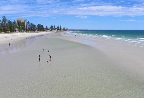 Mögen sie Wein, gutes Essen und verlieren sich gerne in den Weiten Australiens? Dann sollten sie Adelaide in ihrer Reiseplanung nicht vergessen! Lesen sie mehr.