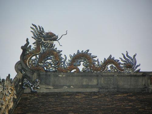 Folgen sie den Spuren des früheren Vietnamesischen Kaiserreichs und geniessen sie den Groove von Hue, einer typischen Vietnamesischen Stadt.