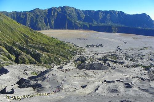 Vulkan-Boarden-macht-Spass_sicht-zum-tempel
