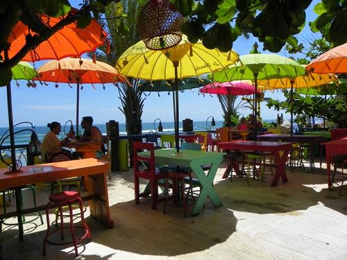 Brauchen sie einen Strandurlaub inklusive vielen Einkaufsmöglichkeiten und Bar-Hopping? Dann ist Balis Südwesen genau das Richtige! Sonst hat im Artikel noch zwei Tipps für sie!