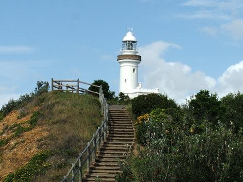 Es ist ein langer Weg von Brisbane nach Sydney! Was kann der unabhängig Reisende dazwischen unternehmen? Zum Beispiel unterwegs vom ausgetretenen Touristenpfad abschweifen. Lesen Sie hier mehr!