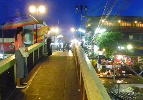 schwimmende Märkte nahe Bangkok Thailand amphawa 100 0090