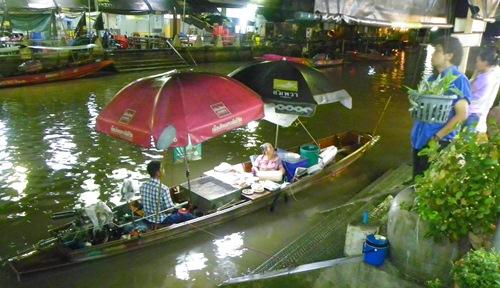 schwimmende Märkte nahe Bangkok Thailand amphawa 100 0117