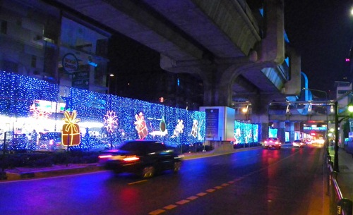 Weihnachten in Bangkok - thanon rama 1 no1