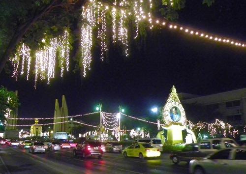 bangkok-christmas-new year thanon ratchadamnoen klang 1