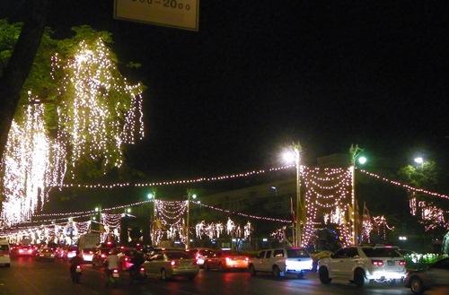 bangkok-christmas-new year thanon ratchadamnoen klang 2