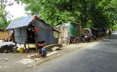 inn-wa-street-slum 100 1812