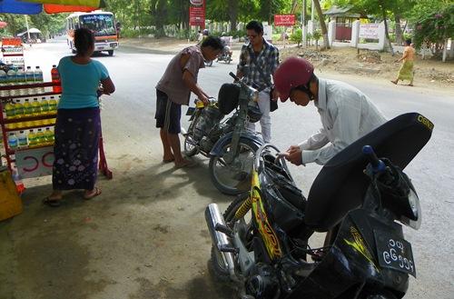 mandalay-refueling-motorbike 100 1802