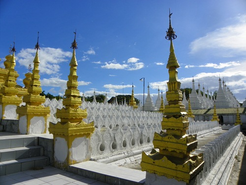 Myanmar Sehenswürdigkeiten mandalay ku-tho-daw-pagode