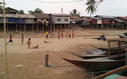 viertausend Inseln Laos -  Mekong-Ufer