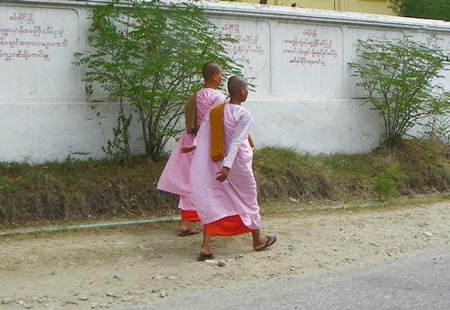 sagaing-nuns 100 1829