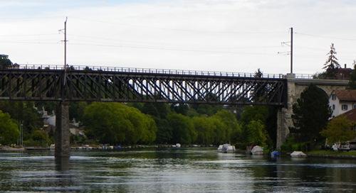 Sehenswürdigkeiten in Schaffhausen - schaffhausen_railway-bridge-over-the-rhine