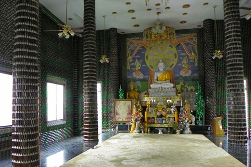 wat-lan-khuat-03 eine Million Flaschen Tempel