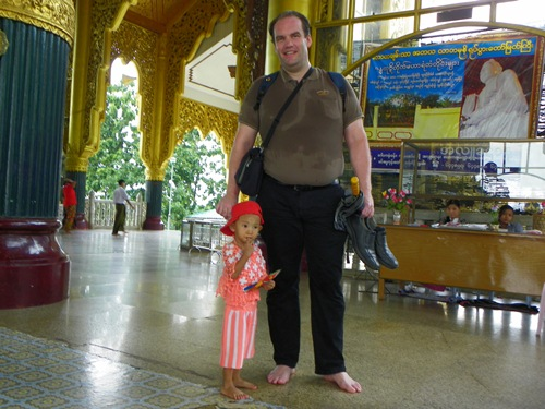 yangon-kyauk-daw-kyi-seated-marble-buddha 100 1022