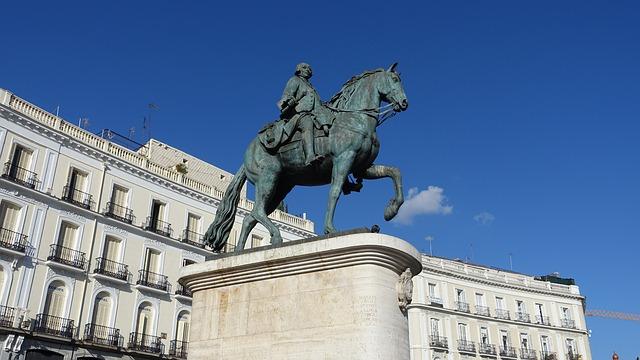Sorglos_Reisen-Nuetzliche_Tipps_fuer_Deine_Madrid_Stadtreise-Puerta_del_Sol